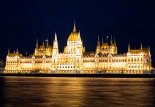 budapest_lights_night_parliament