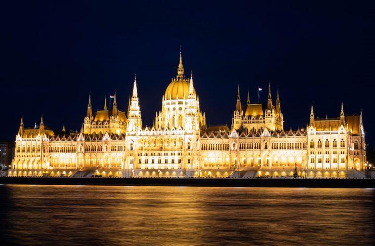 budapest_lights_night_parliament