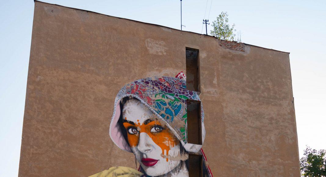 street_art_bratislava_woman