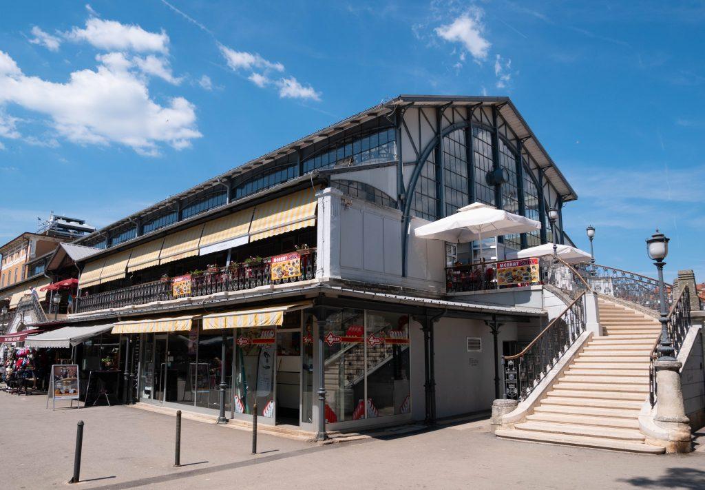 Pula_marché_halle