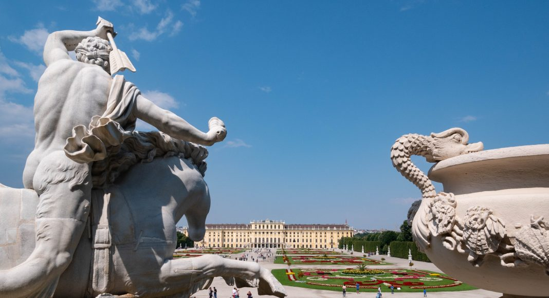 Wien_castle_schonbrunn