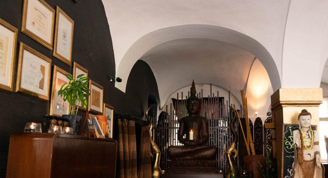 bratislava_green_buddha_entrance