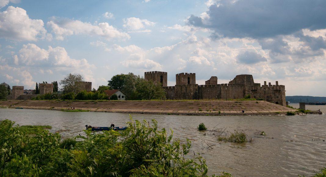 smederevo_fortress_river