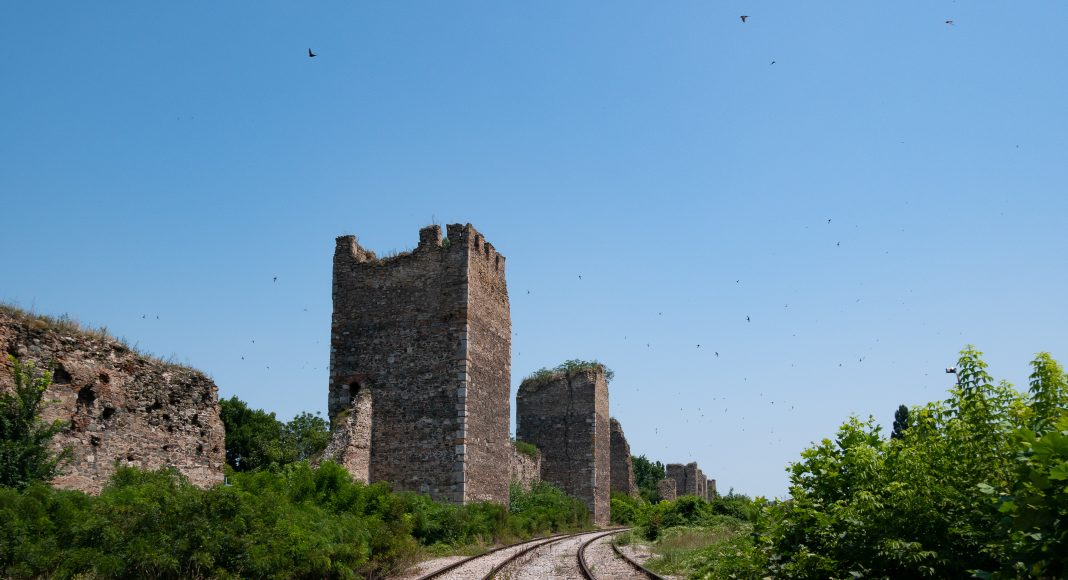 smederevo_fortress_train_rails