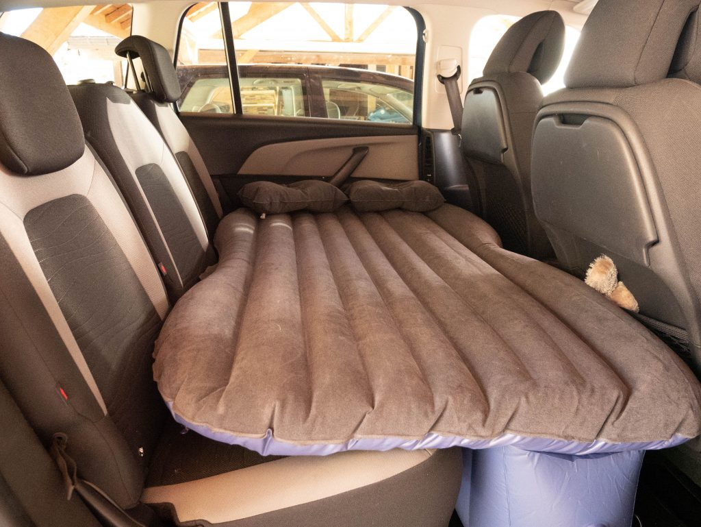 test matelas gonflable pour voiture wandering around. Black Bedroom Furniture Sets. Home Design Ideas