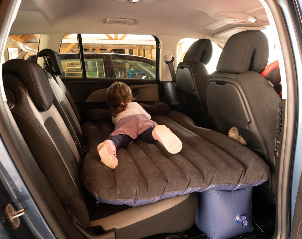 matelas_gonflable_voiture-tara