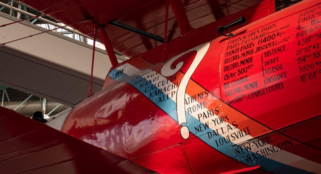 musee_air_espace_entre_guerre_avion_rouge