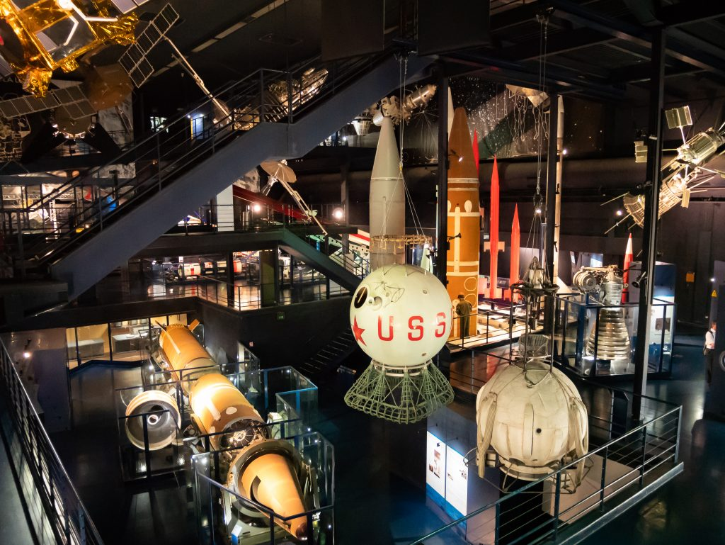 musee_air_espace_spatiale_hall
