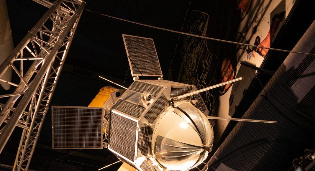 musee_air_espace_spatiale_satellite