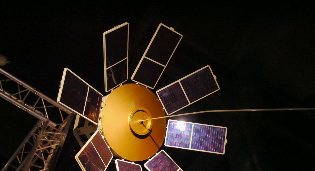 musee_air_espace_spatiale_satellite_solaire