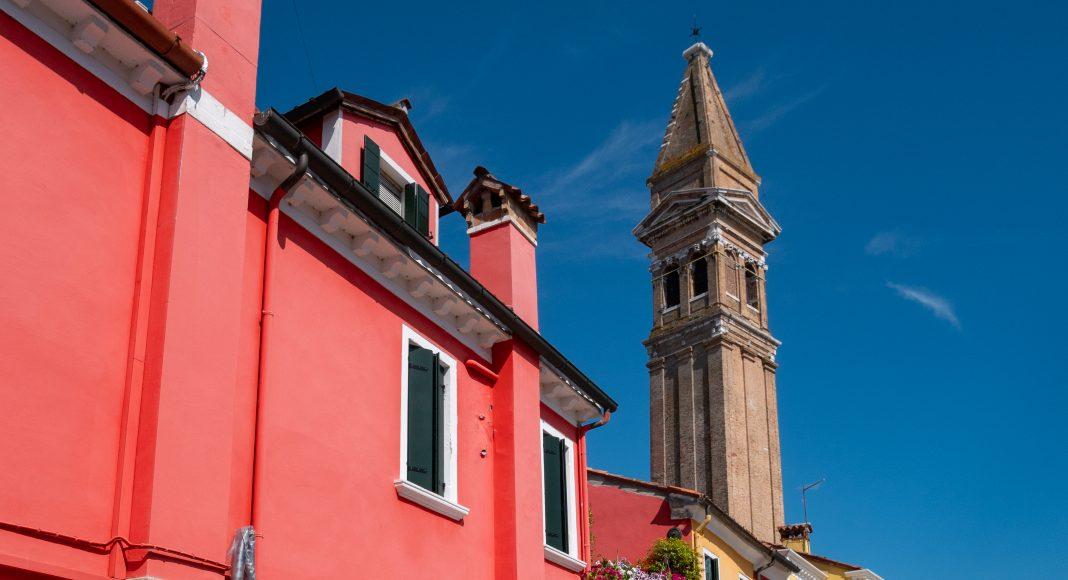 venise_burano_campanile_rouge