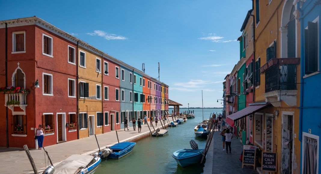 venise_burano_canal_lagune