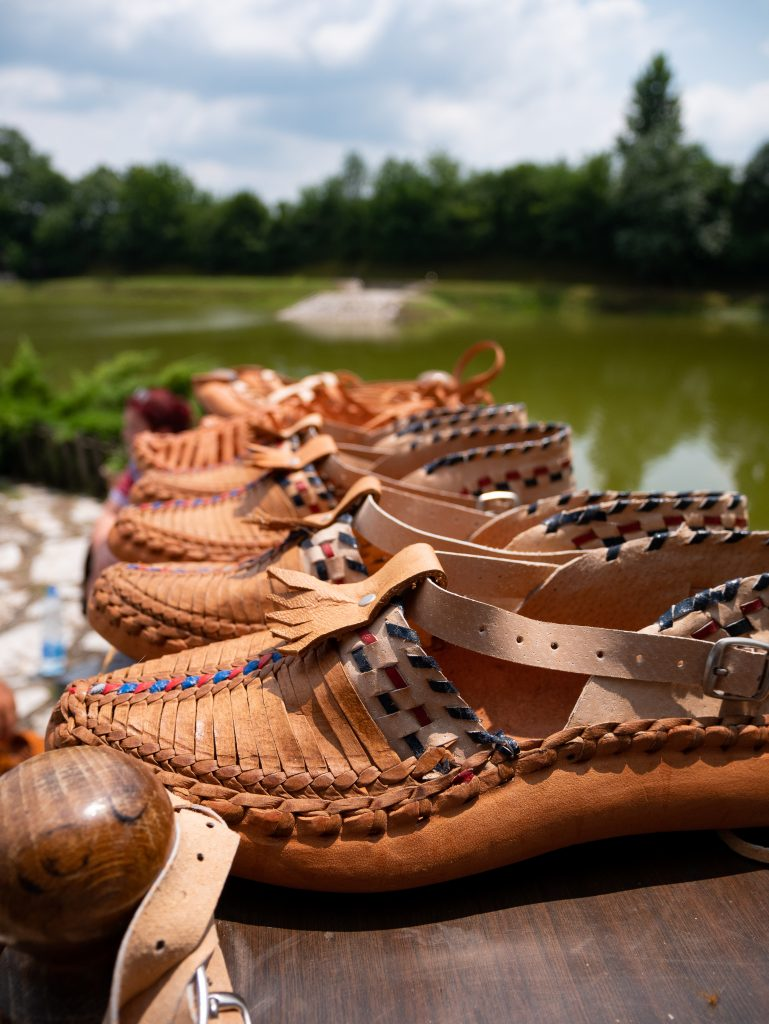 etno_selo_chaussure_traditionnelles