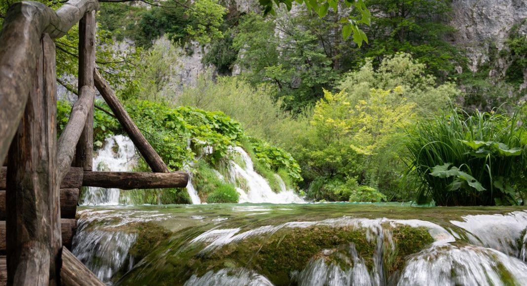 lacs_plitvice_eau_bois