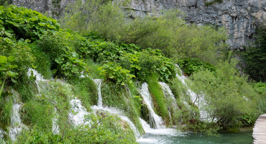 lacs_plitvice_filet_eau