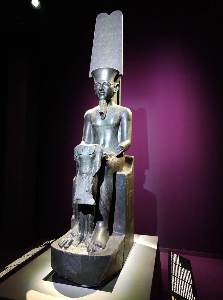 expo_toutankhamon_paris_statue
