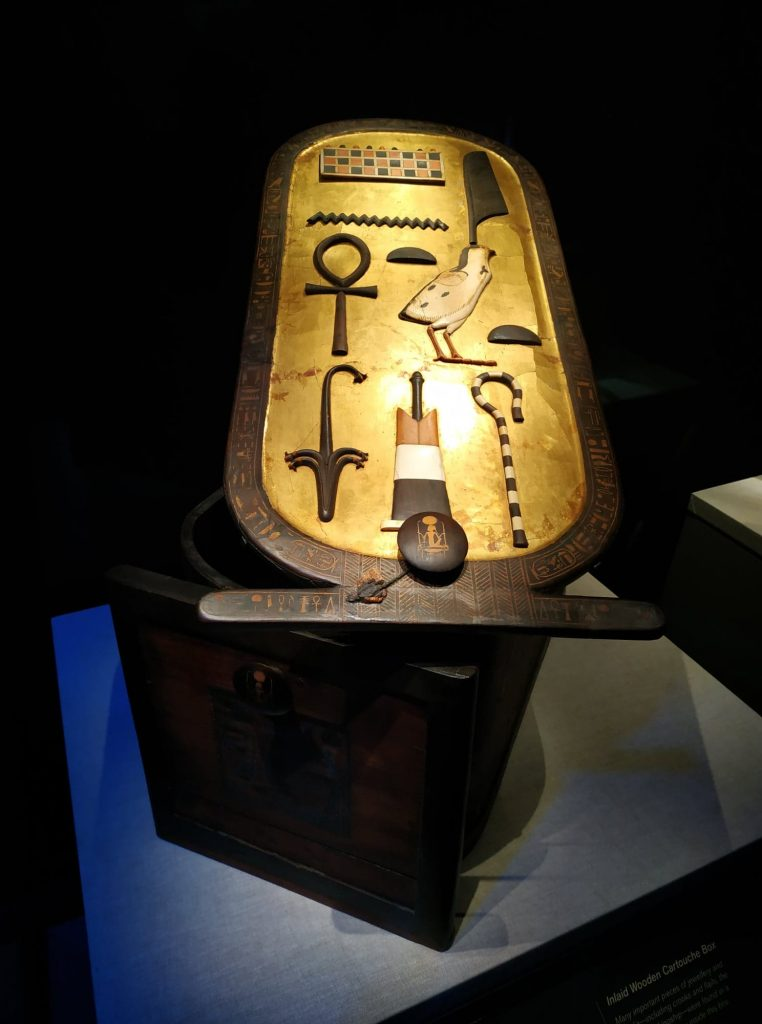 expo_toutankhamon_paris_tablette